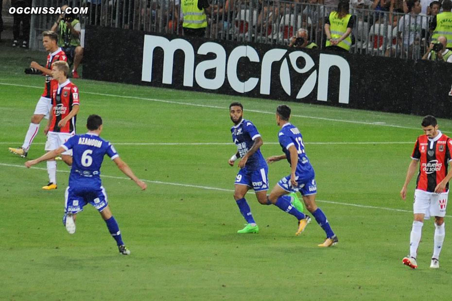 Mais c'est Troyes qui finalement marque un deuxième but en fin de match