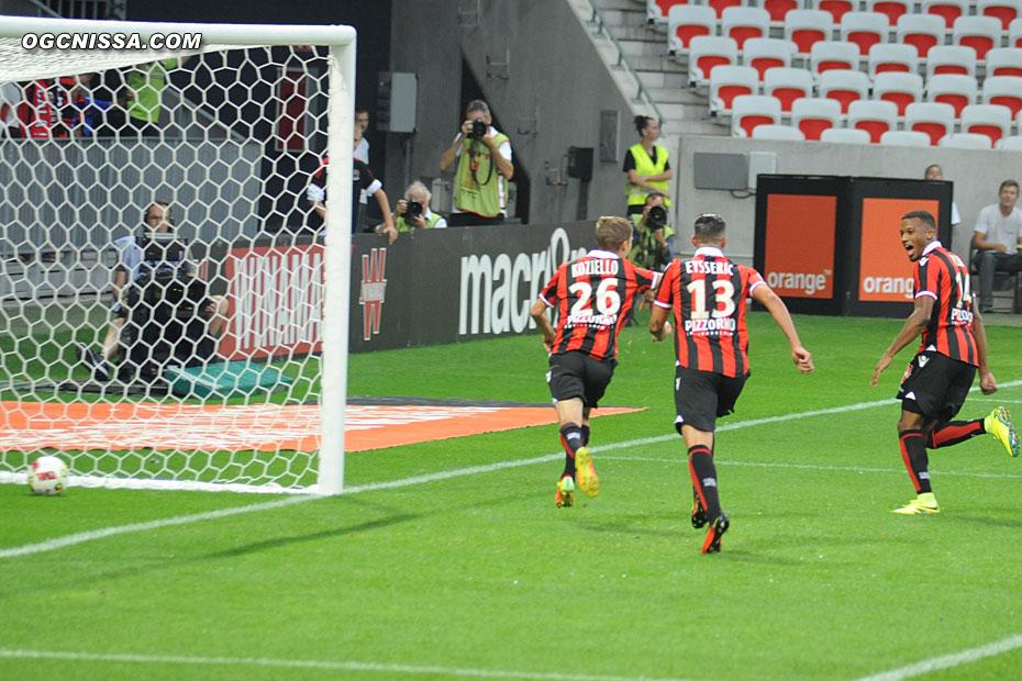 Le premier but de Vincent Koziello cette saison, pour la plus grande joie d'Alassane Pléa