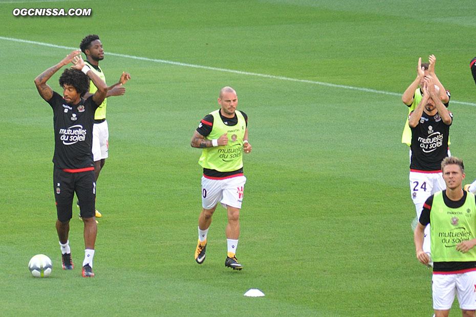 Entrée des joueurs avec la première pour Wesley Sneijder