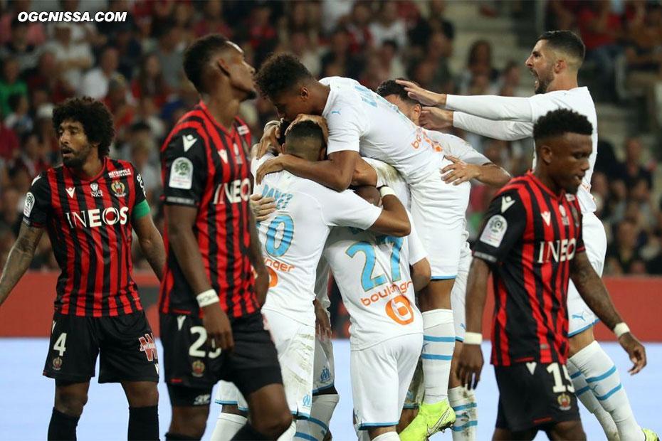 Après 10 minutes d'interruption, le match reprend et Marseille prend l'avantage