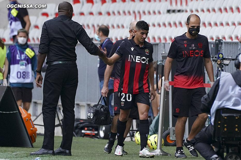 Youcef Atal, blessé à une cuisse, quitte ses partenaires