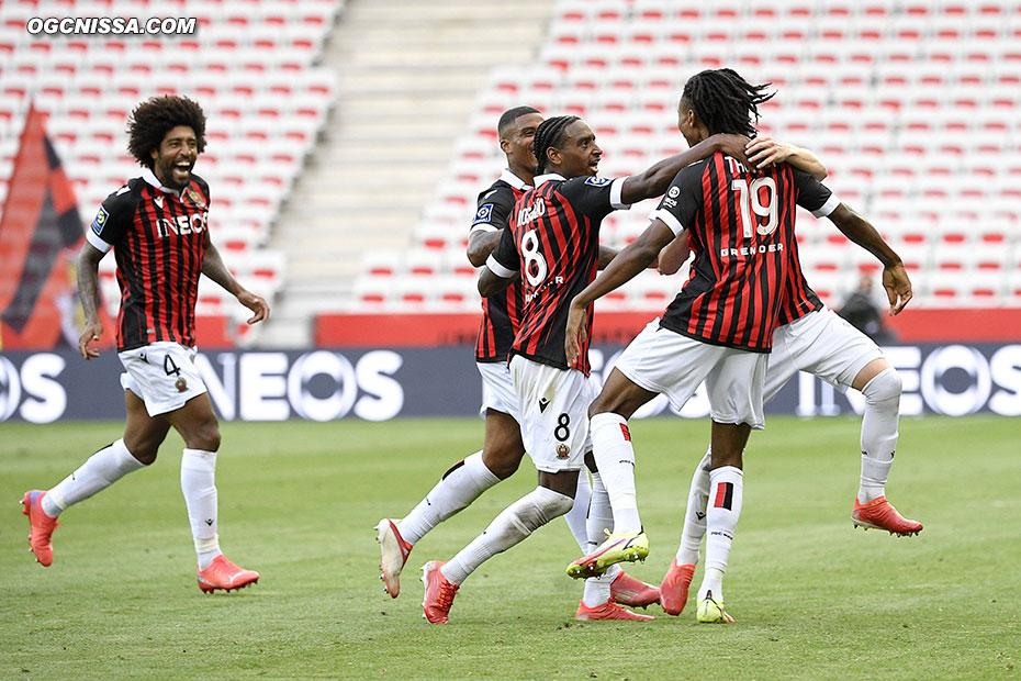 Le capitaine Dante Bonfim et ses hommes réussissent un très bon début de saison.