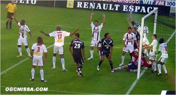 Lourde défaite de Nice 5 buts à 1, où la défense niçoise est aux abonnés absents. Jarjat aura été l'unique buteur niçois de cette rencontre.