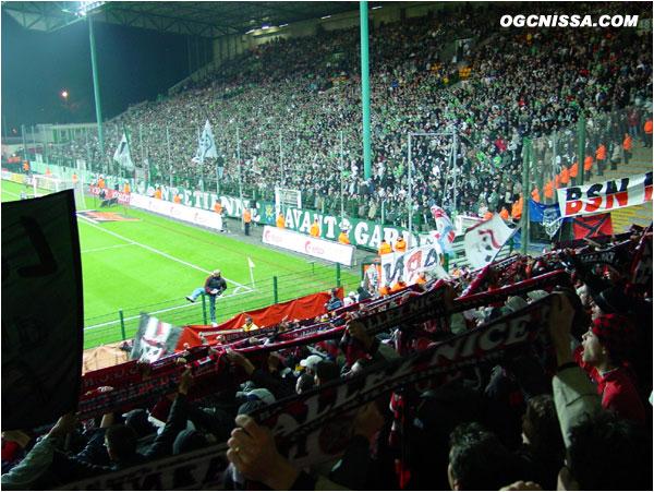 Les supporters niçois ARN et BSN n'auront pas démérités dans le chaudron. Défaite de Nice à St-Etienne 2 buts à 1, but de Agali pour Nice.