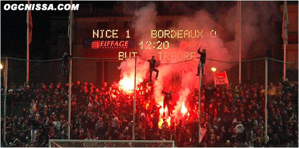 Ouverture du score rapide de Nice, d'une tête de Traoré, pour la plus grande joie de la BSN