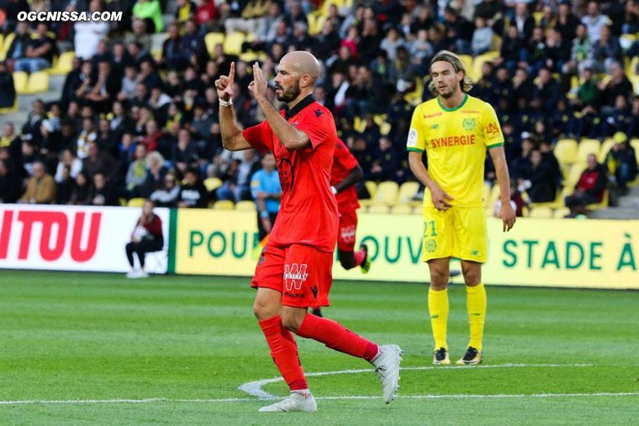 Christophe Jallet ouvre le score !