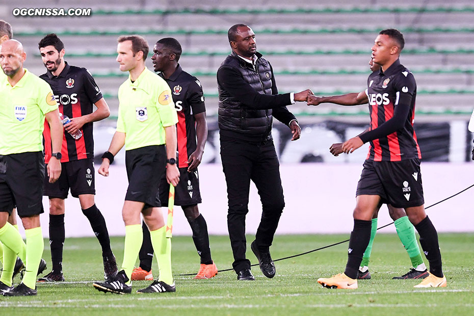 C'est terminé. L'équipe de Patrick Vieira s'impose 3 buts à 1 à Saint Etienne