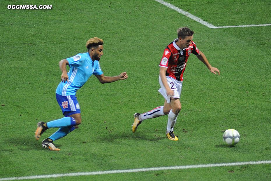 Arnaud Souquet face à Jordan Amavi