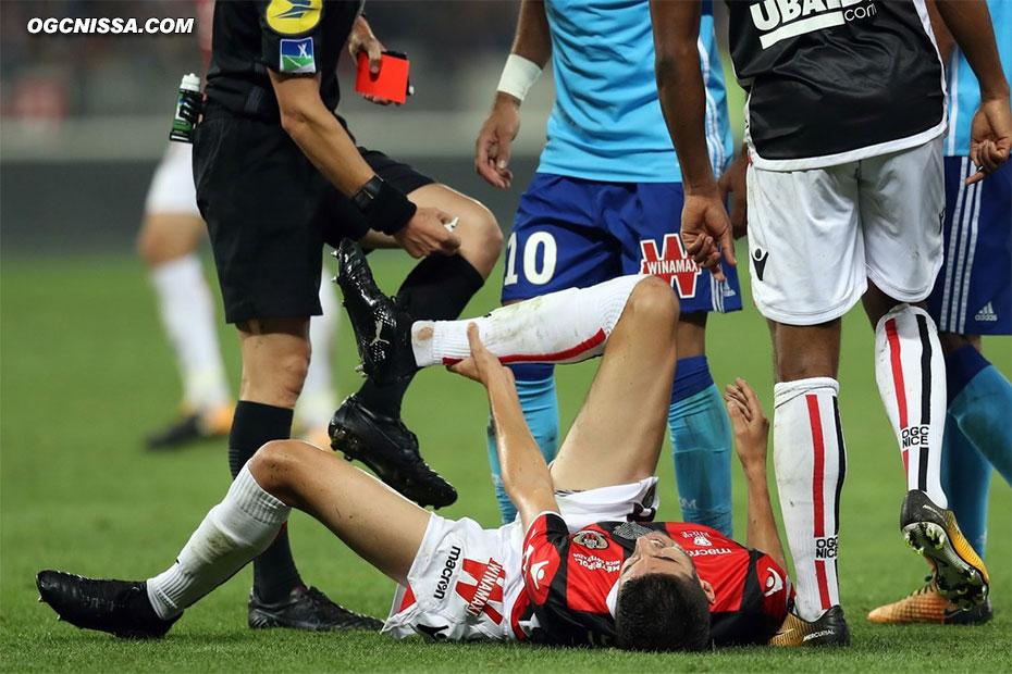 Marseille finira à 10 pour une faute de Gustavo sur Pierre Lees Melou
