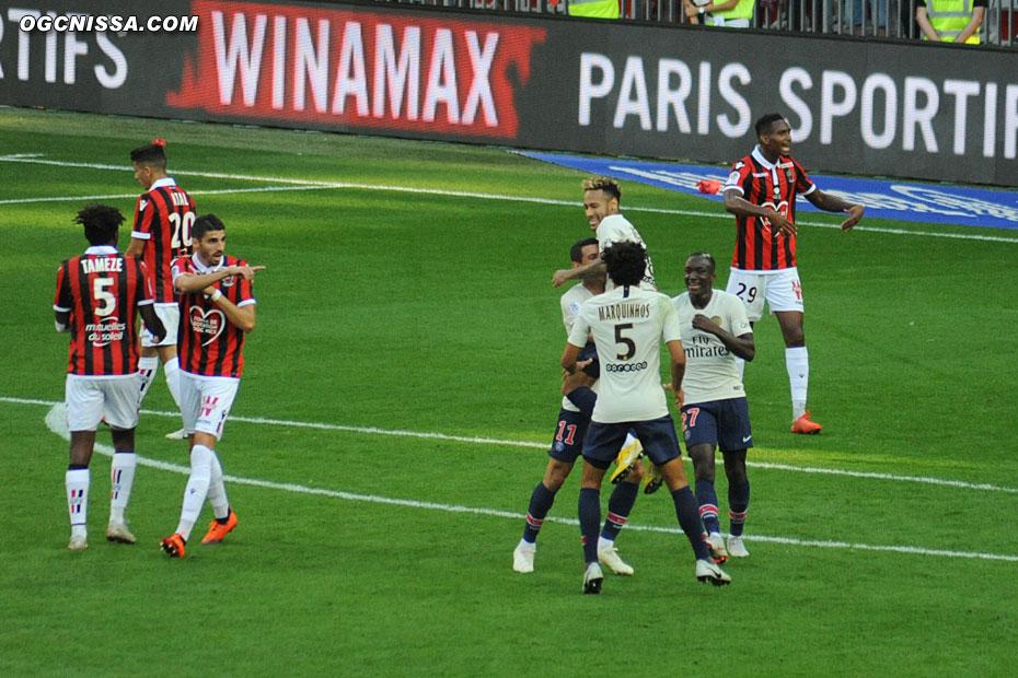Paris ouvre le score par Neymar