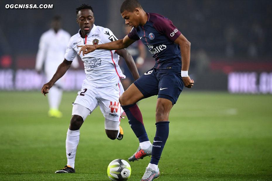 Arnaud Lusamba est titularisé au milieu