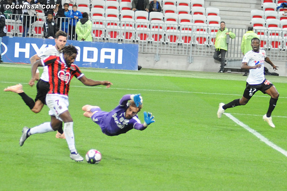 Allan Saint Maximin a l'occasion de faire le break