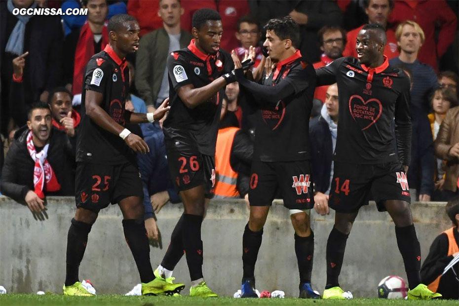 Youcef Atal ouvre le score