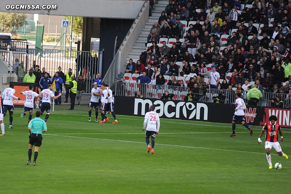 Lyon ouvre le score rapidement