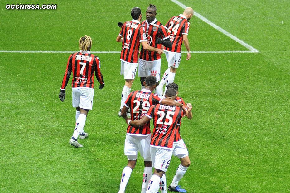 Le groupe félicite également le passeur Mario Balotelli