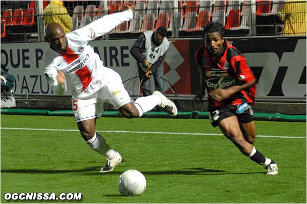 Une dernière accelération de Bakari Koné...