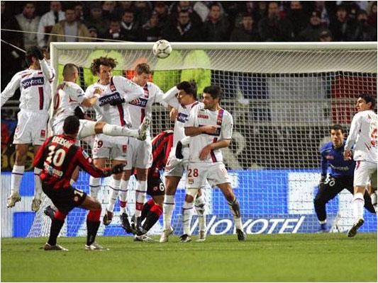 Le coup franc de Ederson en fin de match aurait pu donner la victoire à Nice... Prochain et dernier rendez-vous de l'année, samedi prochain au Ray contre Valenciennes.