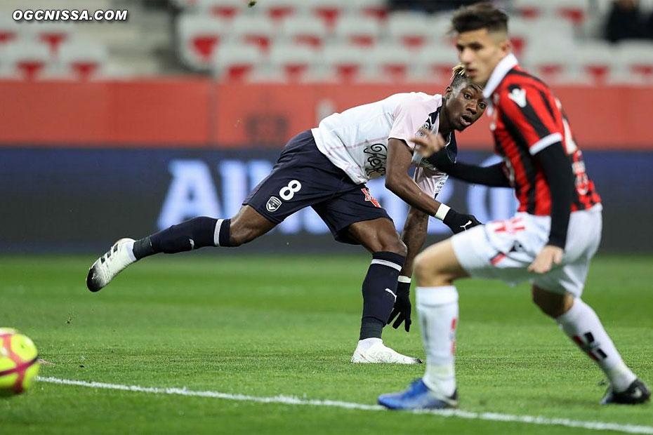 Bordeaux se procure plusieurs occasions en début de match