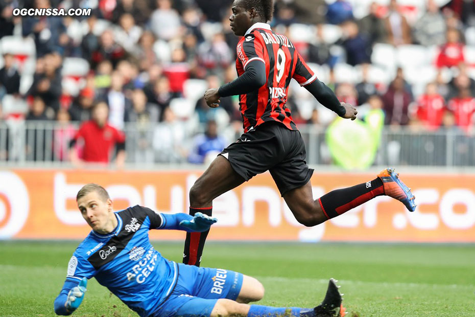 Mario Balotelli marque le 3e but en fin de match