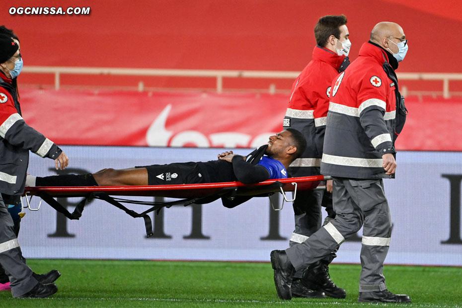La mauvaise nouvelle vient par la grave blessure de Jeff Reine Adelaide, dont la saison est terminée