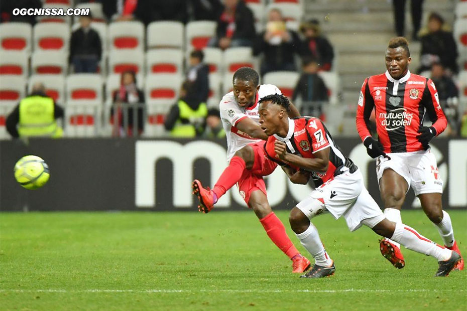 Ignatius Ganago et Arnaud Lusamba ne changeront rien, Nice s'incline 1 à 0.