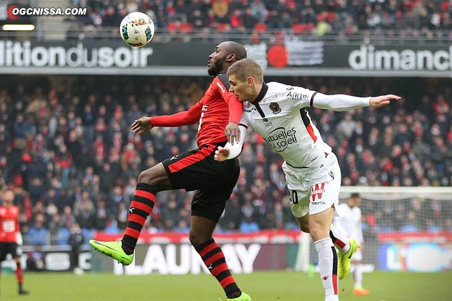 Maxime Le Marchand entrera en fin de match. Nice prend un point à Rennes.