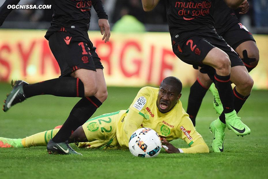 Nantes aurait pu avoir un pénalty dans les arrêts de jeu