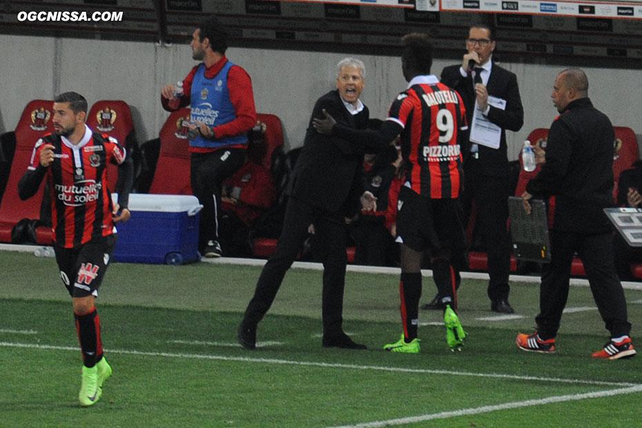 Balotelli est remplacé en fin de match par Mickael Le Bihan