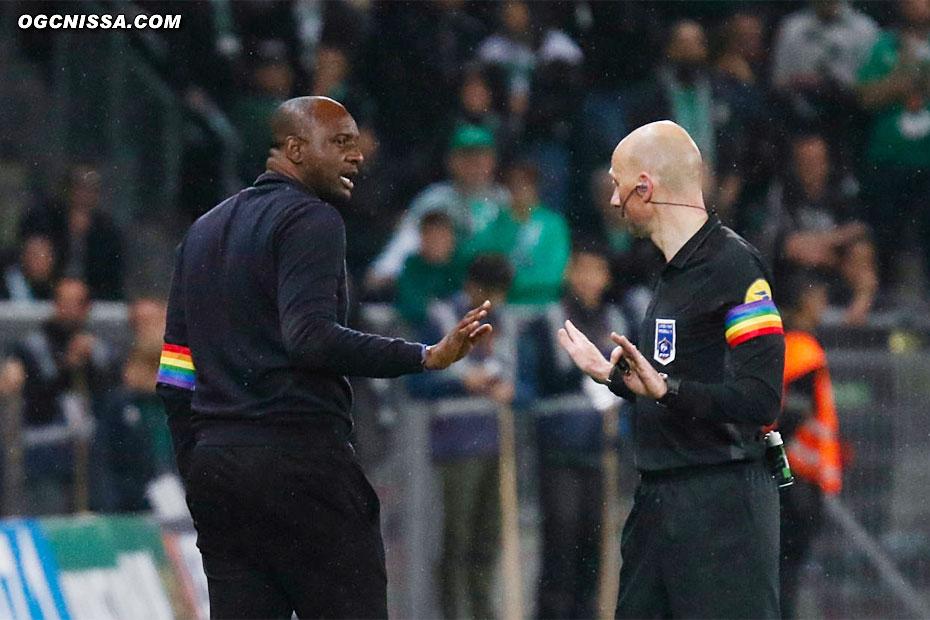 La main est flagrante, M. Gautier ne consulte pas la vidéo, Patrick Vieira ne décolère pas