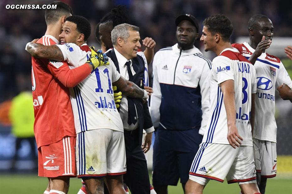 Lyon s'impose 3 buts à 2