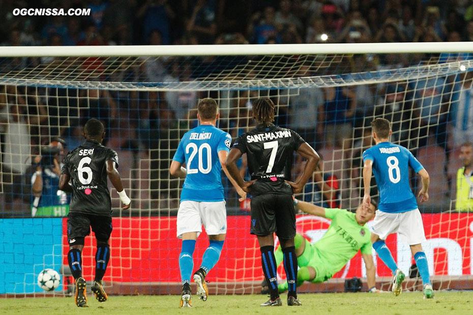 Naples obtient un penalty généreux