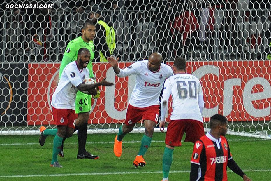 2 buts à 1 à la pause, Walter Benitez a été pris à contre pied