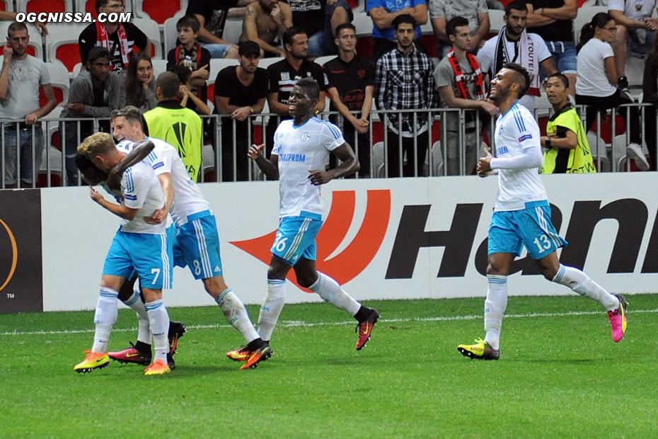 Schalke ouvre le score à un quart d'heure de la fin