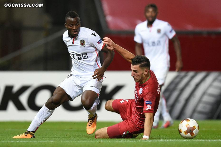 Ignatius Ganago et les Aiglons s'imposent 5 buts à 1