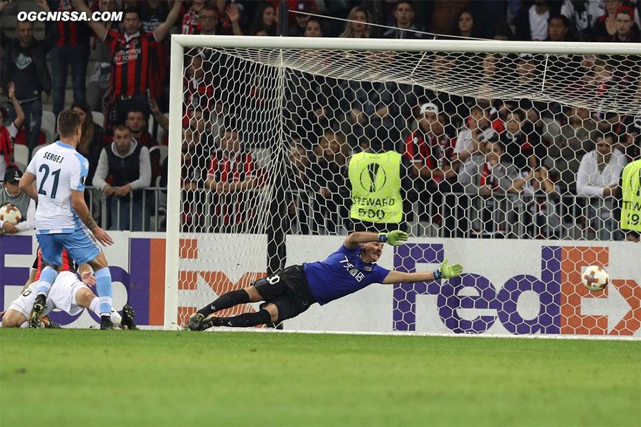 La Lazio prend l'avantage, Yoan Cardinale ne peut rien faire