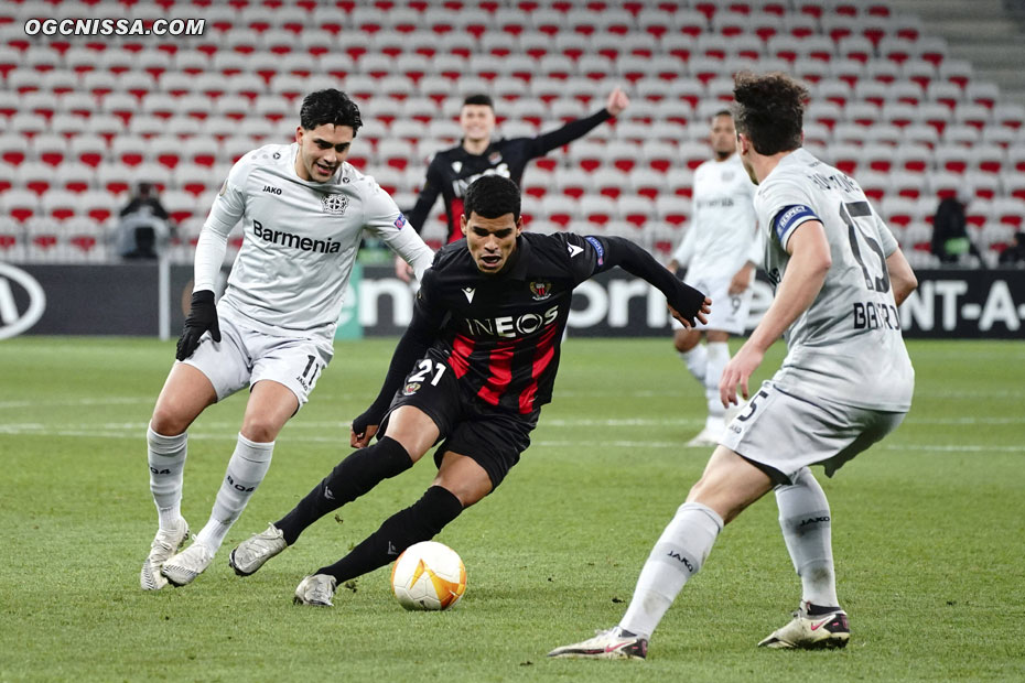 Danilo Barbosa au milieu de terrain