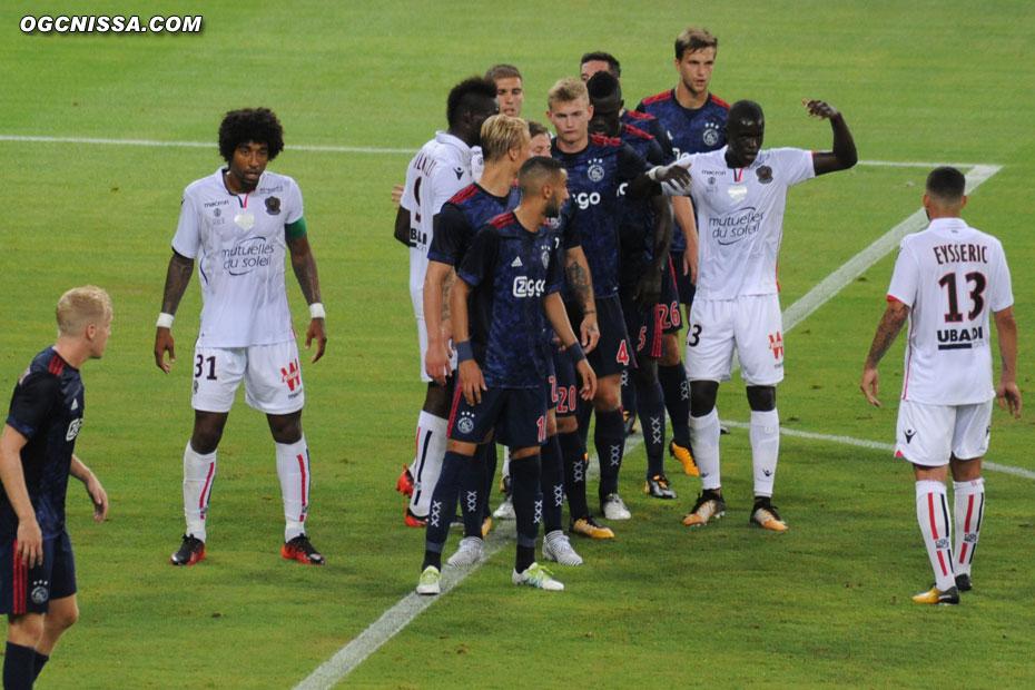 Dante Bonfim est le capitaine cette année