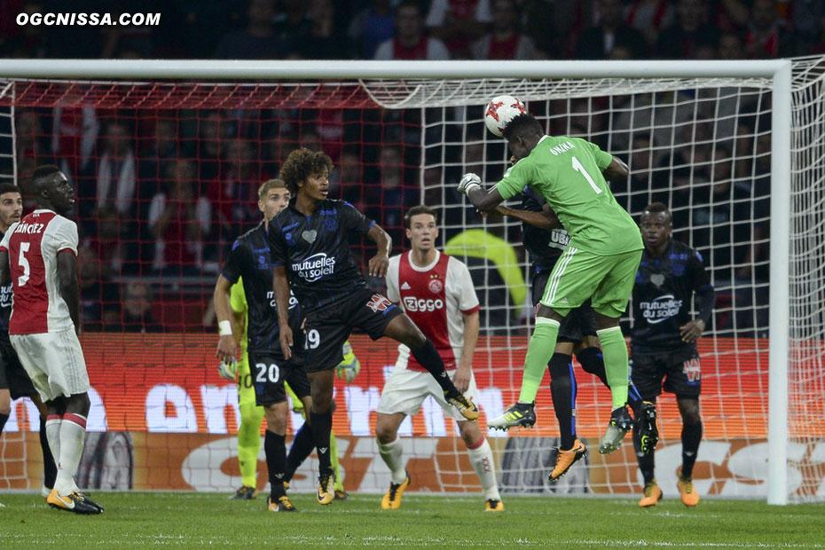 L'Ajax jette ses dernière cartes pour tenter de l'emporter
