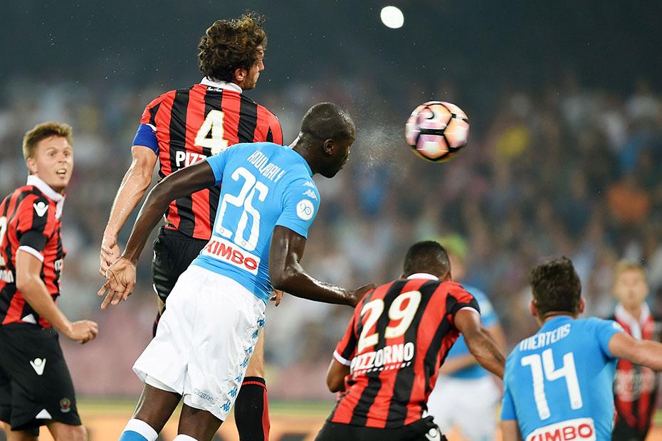 Koulibaly ouvre le score rapidement de la tête