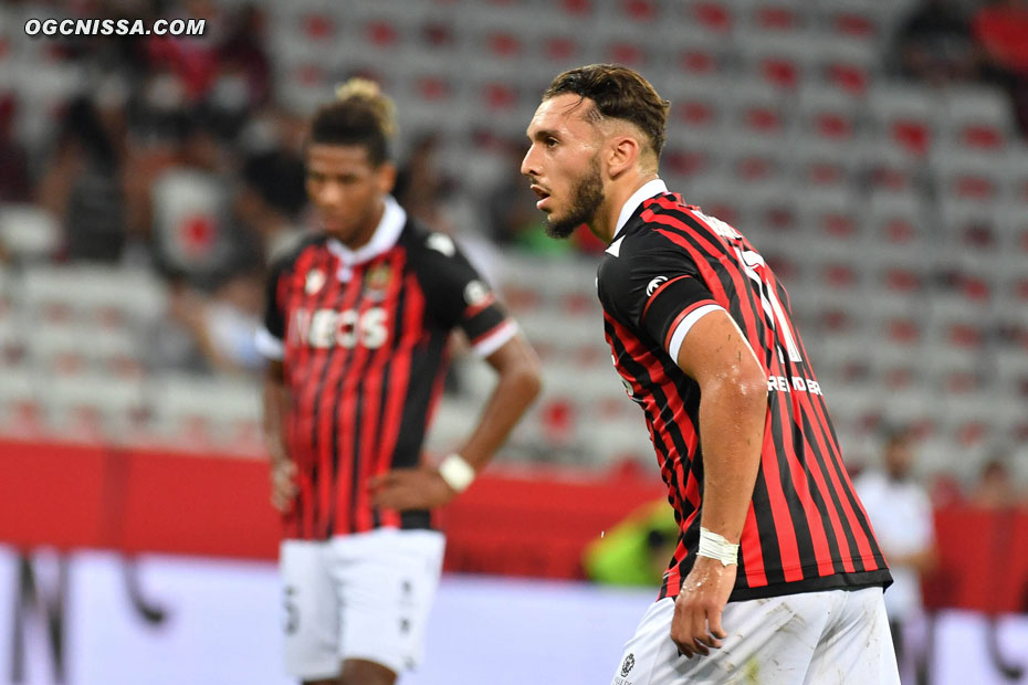 Nice obtient un penalty à l'heure de jeu, que va frappe Amine Gouiri