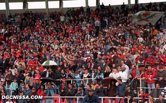 Le stade du Ray est plein pour fêter la victoire