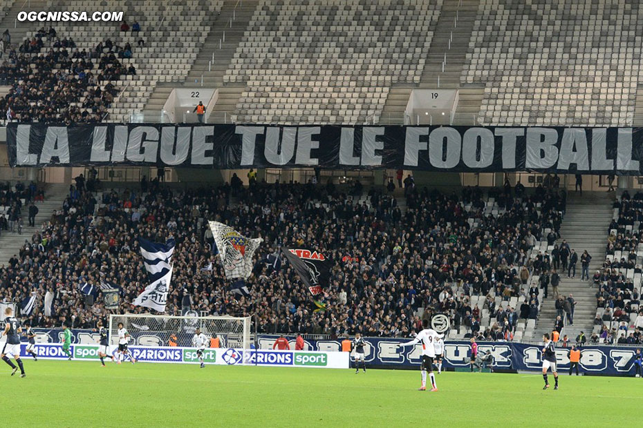 Message des supporters locaux à la Ligue